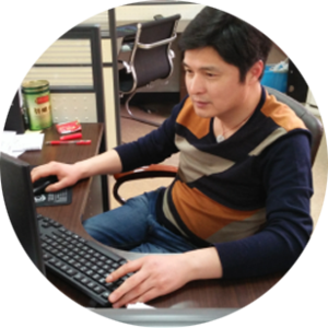 Li Ping/Processing Engineer Major in mechanical design and manufacturing, has 25 years of experience in mechanical design and manufacturing, is responsible for the analysis of the customer's drawings, make gold processing and assembly process!